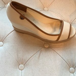 EUC Tory Burch wedges. Canvas, Cream Colored